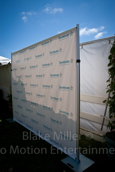Step and Repeat Banner Installation Image (12)